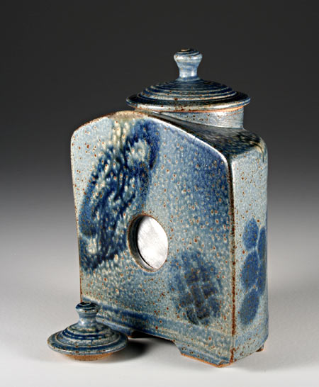 New ceramic pinhole camera by Steve Irvine (photo used with permission)